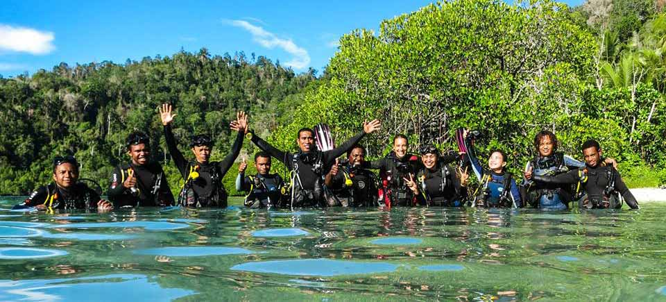 Diving Activity when stay in Papua Paradise Eco Resort