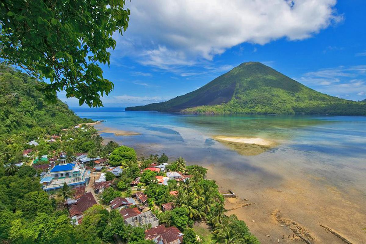 Banda Island, Top 10 Dive Spots in Indonesia